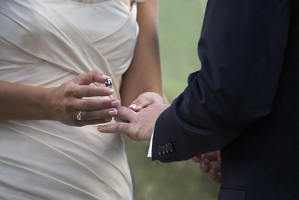 Can Catholic Couples Write their Own Wedding Vows?