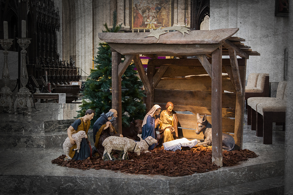 How Should a Church be Decorated at Christmas?