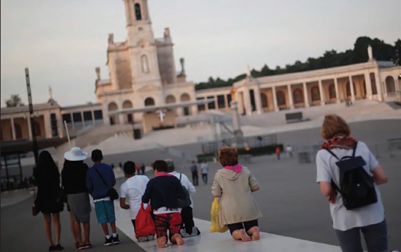 Pilgrims encounter the message of Fatima